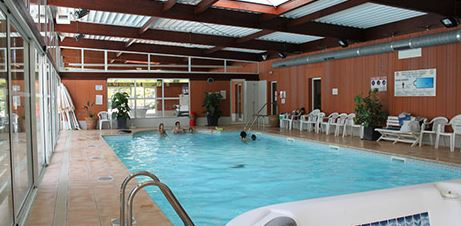 Piscine couverte camping